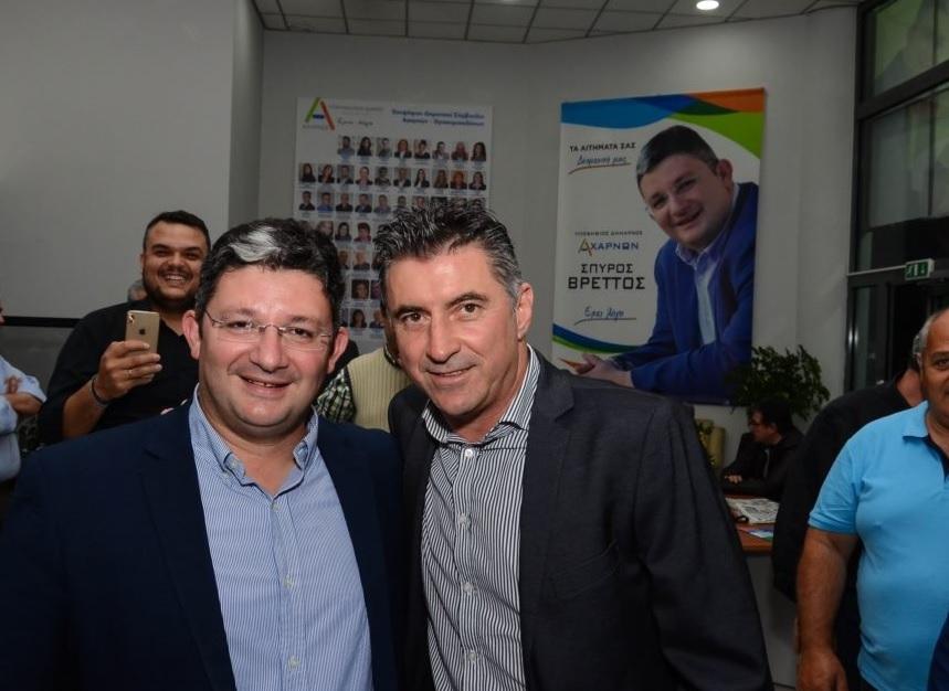 Στο εκλογικό κέντρο του Σπύρου Βρεττού ο ευρωβουλευτής Θοδωρής Ζαγοράκης
