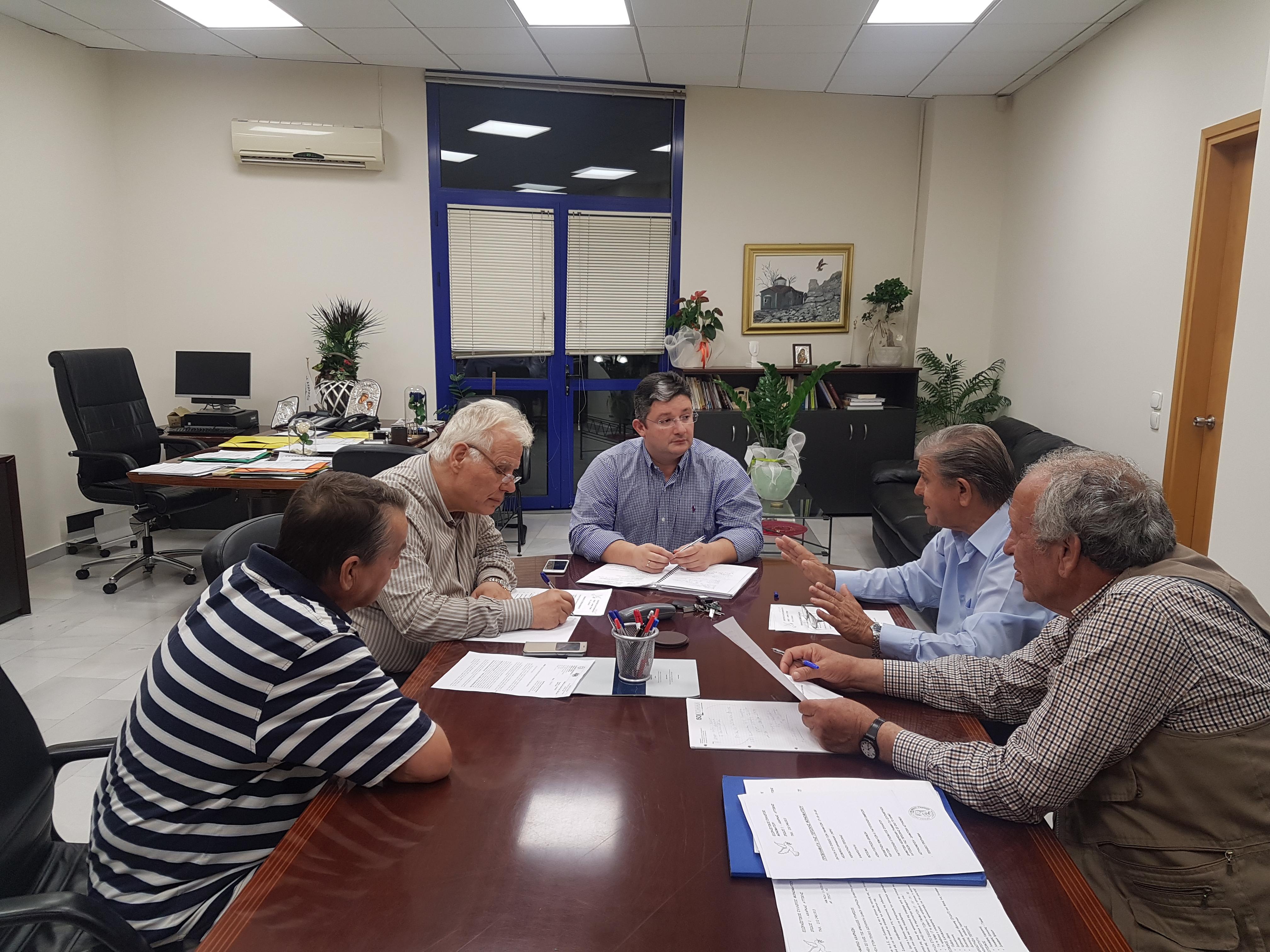 Με το Σύλλογο Μονοματίου συναντήθηκε ο Δήμαρχος Αχαρνών